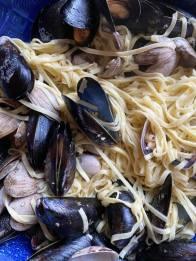 mussels n clams